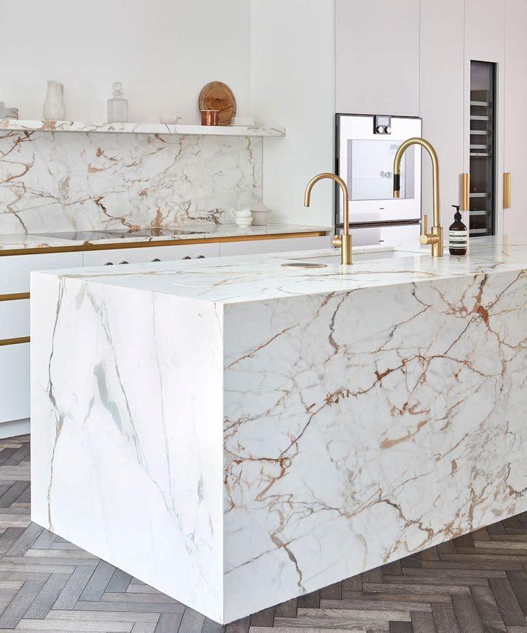 calcutta marble counter top